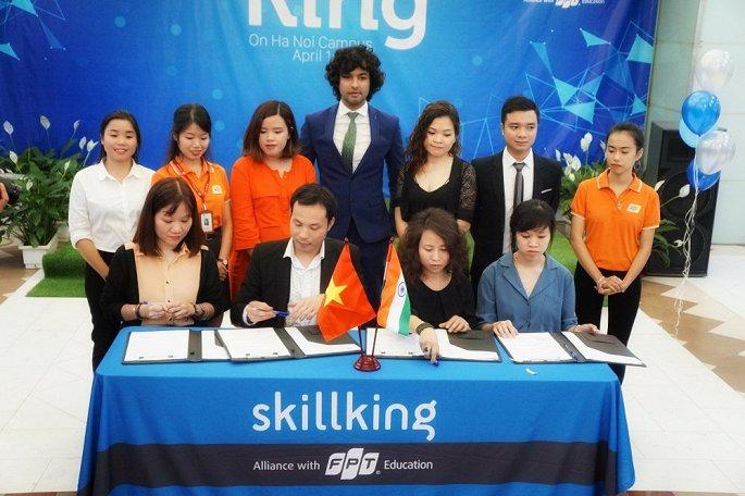 Lễ kí cam kết đảm bảo việc làm cho sinh viên sau khi tốt nghiệp FPT Skillking.