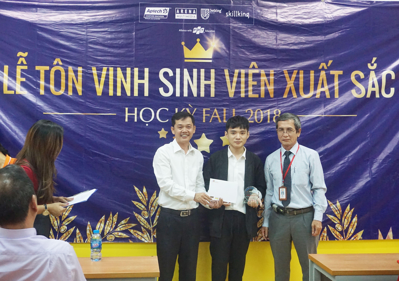 Bạn Nguyễn Thắng Lợi đã giành được giải nhất của FPT Jetking với số điểm đáng ngưỡng mộ 96.25