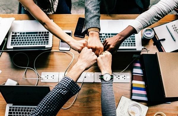 Những vị trí nhân sự trong một Digital Marketing agency luôn làm việc gắn kết với nhau